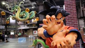 Detalles de los preparativos de la muestra 'Dragon Ball World Adventure', este miércoles en el Manga Barcelona.