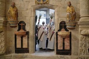 Apertura de la Puerta Santa de la catedral de Santiago de Compostela, acto que marca el inicio del Xacobeo 2021.