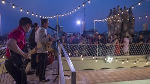 Concierto en la terraza de la casa Batlló, a finales de junio.