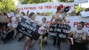 Activistas de Femen en la manifestación en contra de la violencia machista de París.
