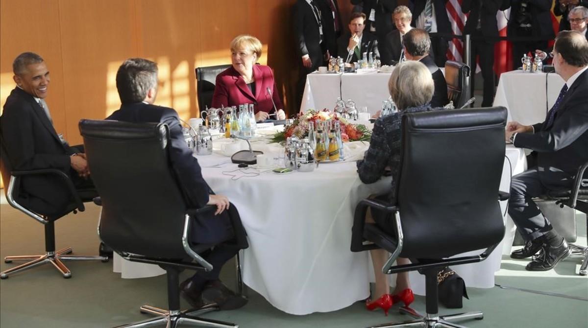 Los dirigentes europeos con Barack Obama, reunidos en Berlín.