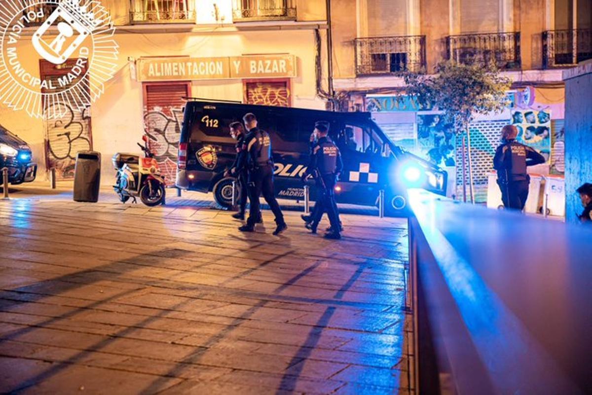 Agentes de la policía en un control.