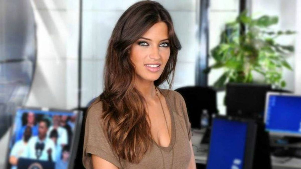 Sara Carbonero, protagonista del nuevo videoclip de 'Tu otra bonita'