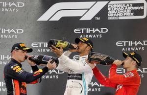 Hamilton ganará 45,4 millones de euros en su último año en Mercedes