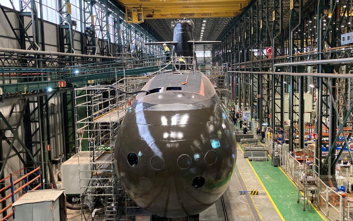 El submarino S-81 Isaac Peral, en los astilleros de Cartagena.