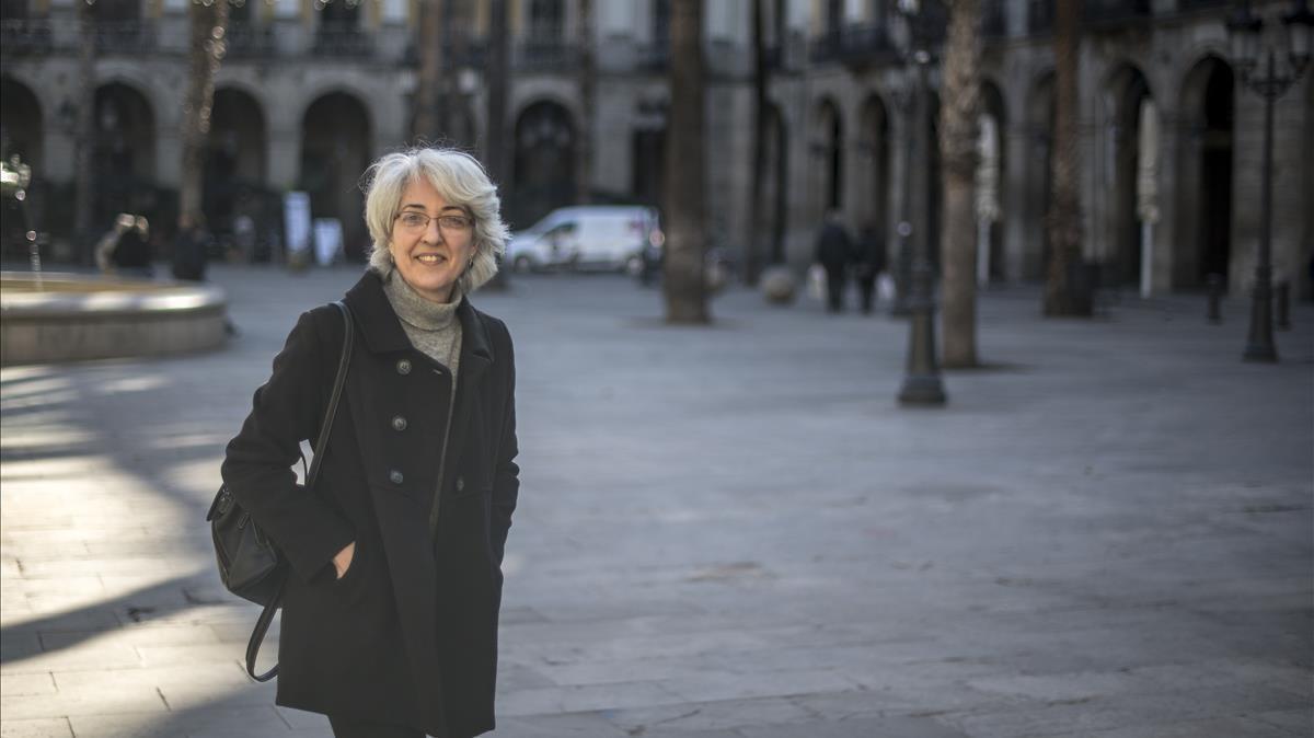 Barcelona     03 12 2020     Barcelona    Anna Menendez  presidenta de la FAVB  fotografiada en  la placa Reial    Fotografia de Jordi Cotrina