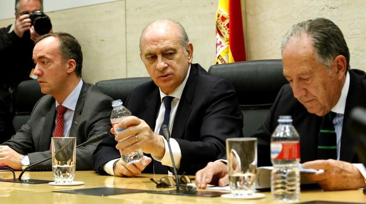 El ministro del Interior, Jorge Fernández Díaz, presidióla mesa de valoracion de la amenaza terrorista.