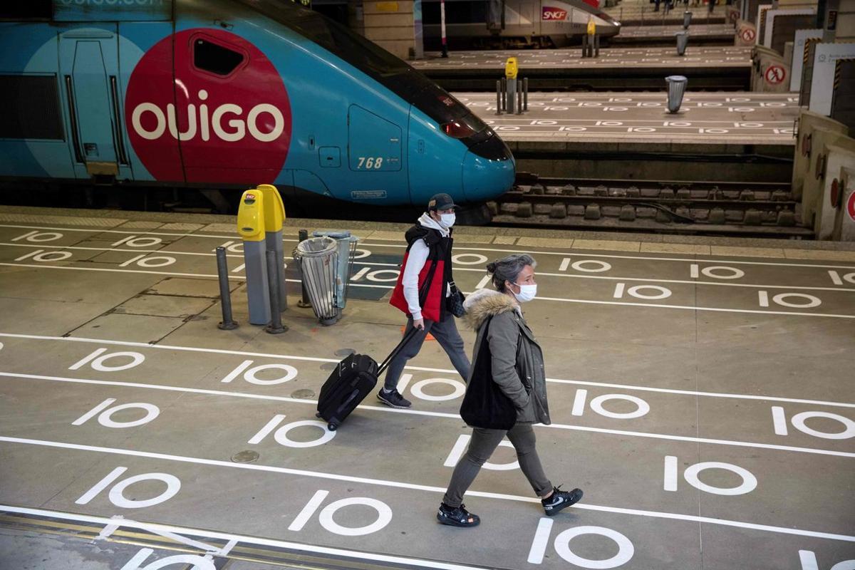 França anuncia una quarantena de 14 dies per a viatgers procedents del Regne Unit