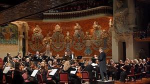 Gardiner y la Orchestre Revolutionnaire et Romantique, el domingo, en el Palau de la Música Catalana durante el primer concierto del ciclode sinfonías de Beethoven.