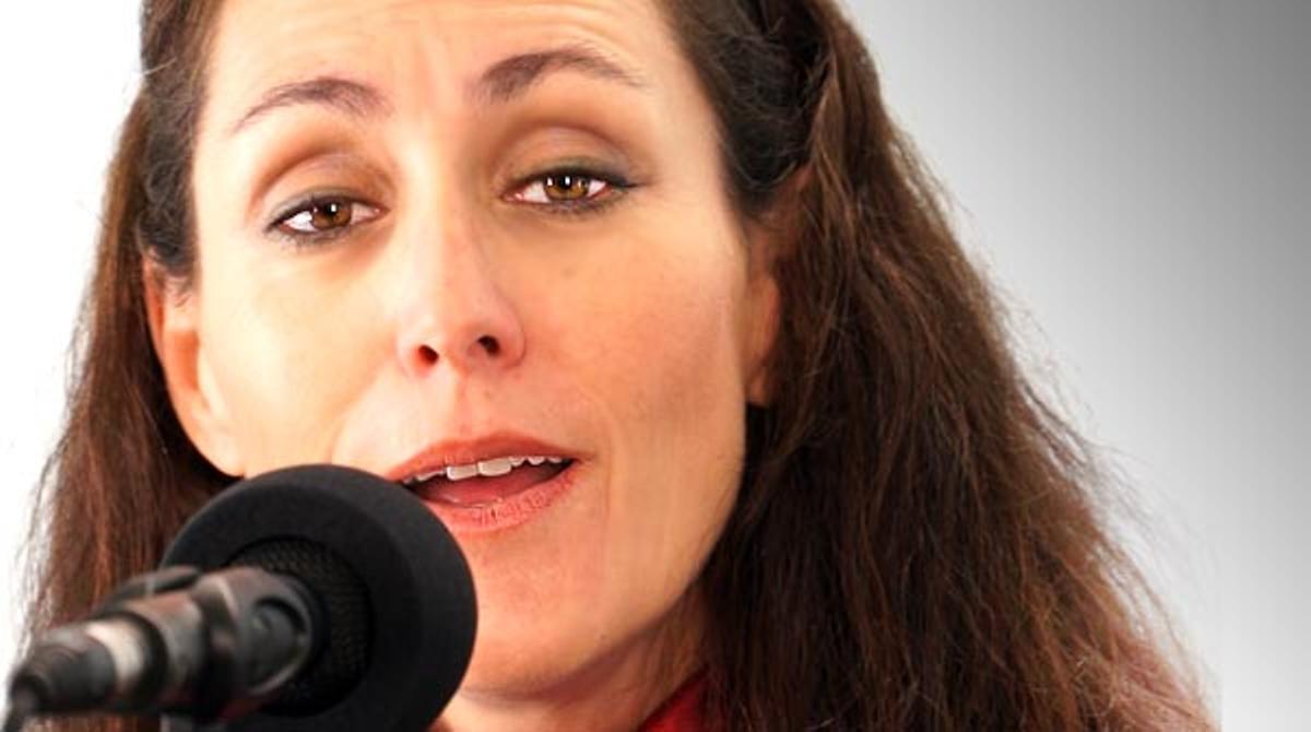 Clara Montes cantó en el 2013 'Volé', una letra de Antono Gala que incluye en elespectáculo 'Del alma a Lorca'.