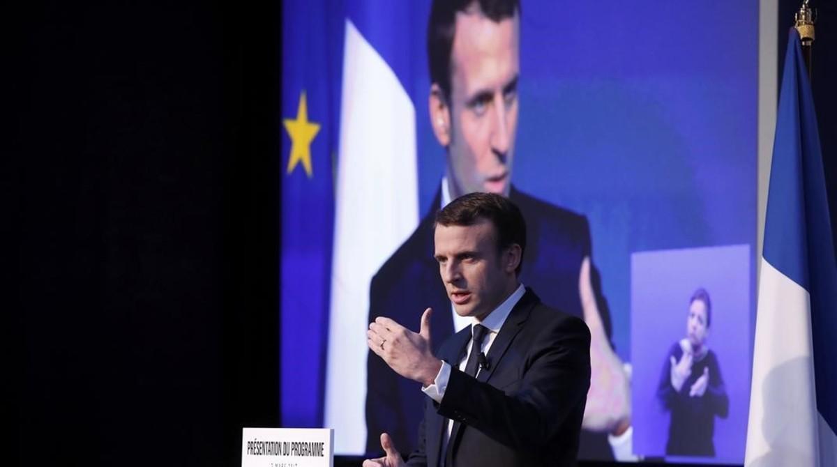 Emmanuel Macron durante un acto electoral en París.