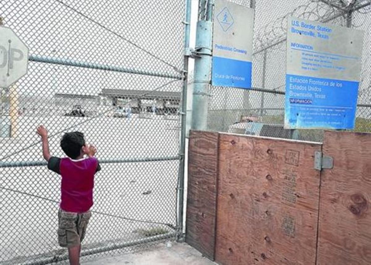 Un niño, en un puesto fronterizo del estado de Tejas, el viernes pasado.