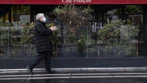 França imposa el toc de queda a partir de les sis de la tarda