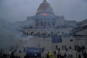 El Capitolio, durante la insurrección de seguidores de Trump.
