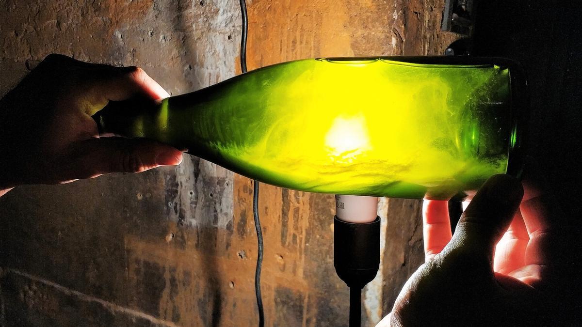 Una botella de cava de la bodega Gramona, en Sant Sadurní.