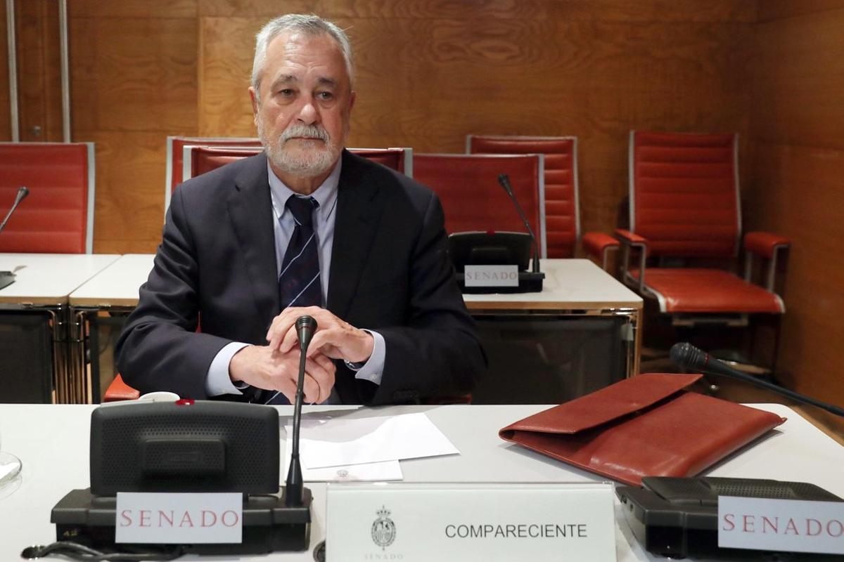 GRAF8400. MADRID, 29/11/2018.- El expresidente de la Junta de Andalucía José Antonio Griñán, durante su comparecencia ante la Comisión de Financiación de los Partidos Políticos, esta mañana en el Senado.- EFE/ZIPI
