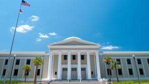 El Suprem de Florida inhabilita un advocat que va demanar sexe a recluses
