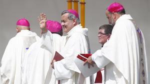El obispo de Osorno, Juan Barros, cuestionado como encubridor de abusos sexuales en Chile.