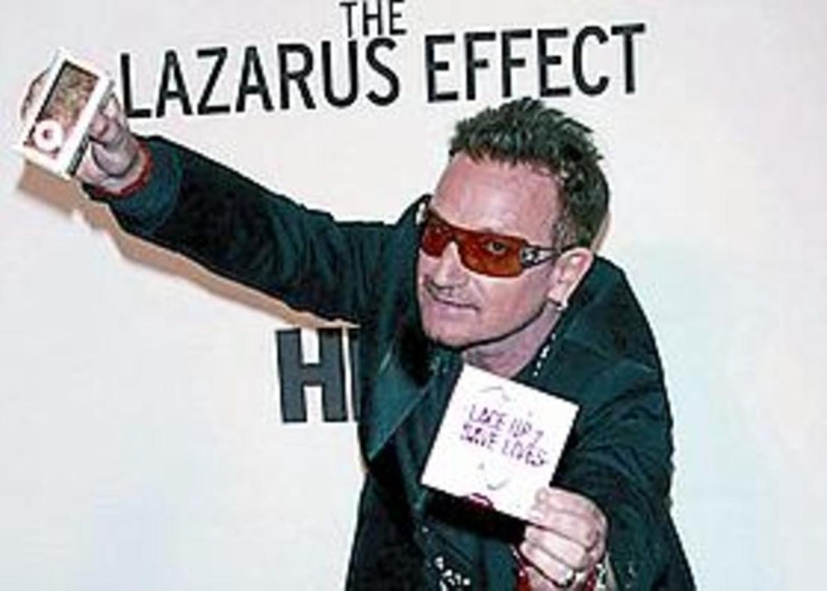 El cantante Bono.