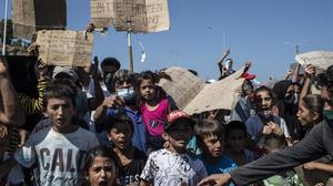 El Govern es compromet a acollir 100 refugiats i 20 menors de Lesbos