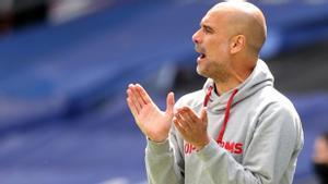 Guardiola anima a sus jugadores durante el Crystal Palace-City del pasado sábado.