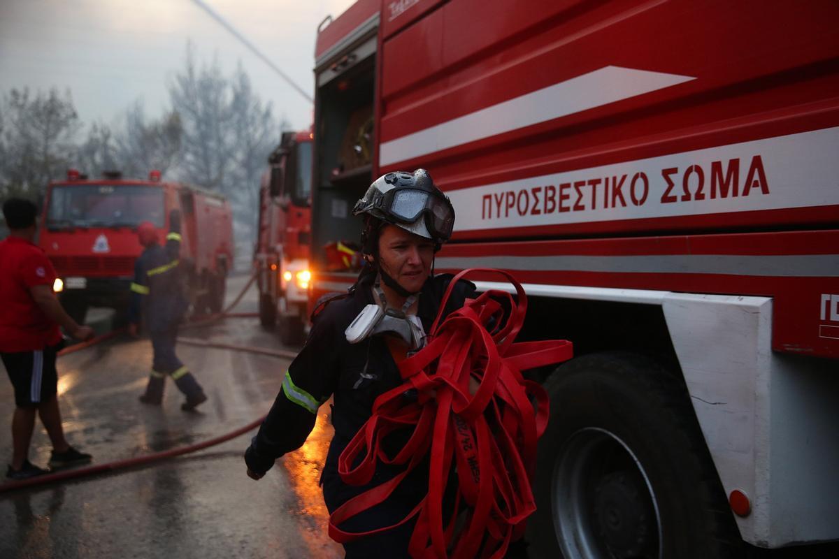 Grècia i Turquia cremen davant l'onada de calor