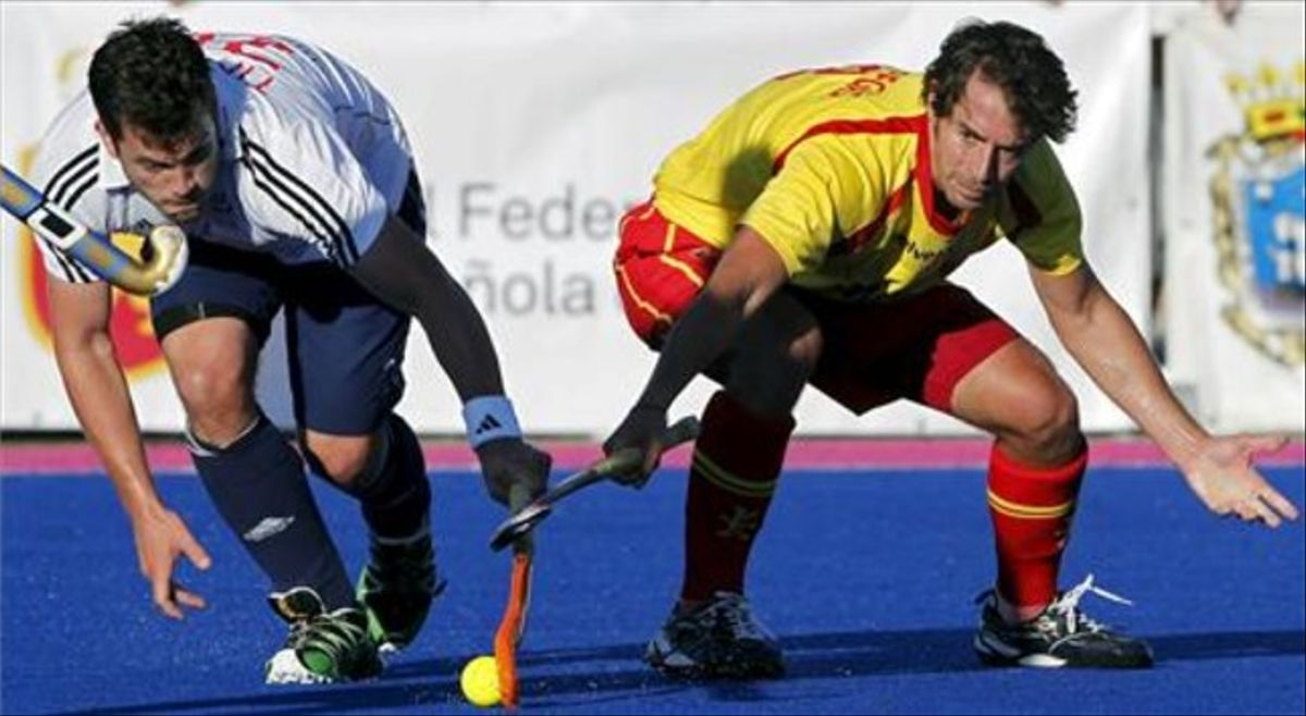 El jugador de hockey Àlex Fàbregas en un torneo preparativo para los Juegos Olímpicos