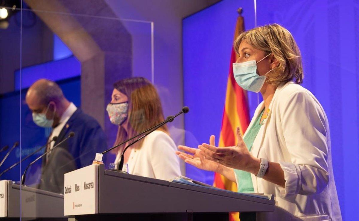 Alba Vergés, durante la comparecencia que ha ofrecido junto a Meritxell Budó y Miquel Buch.