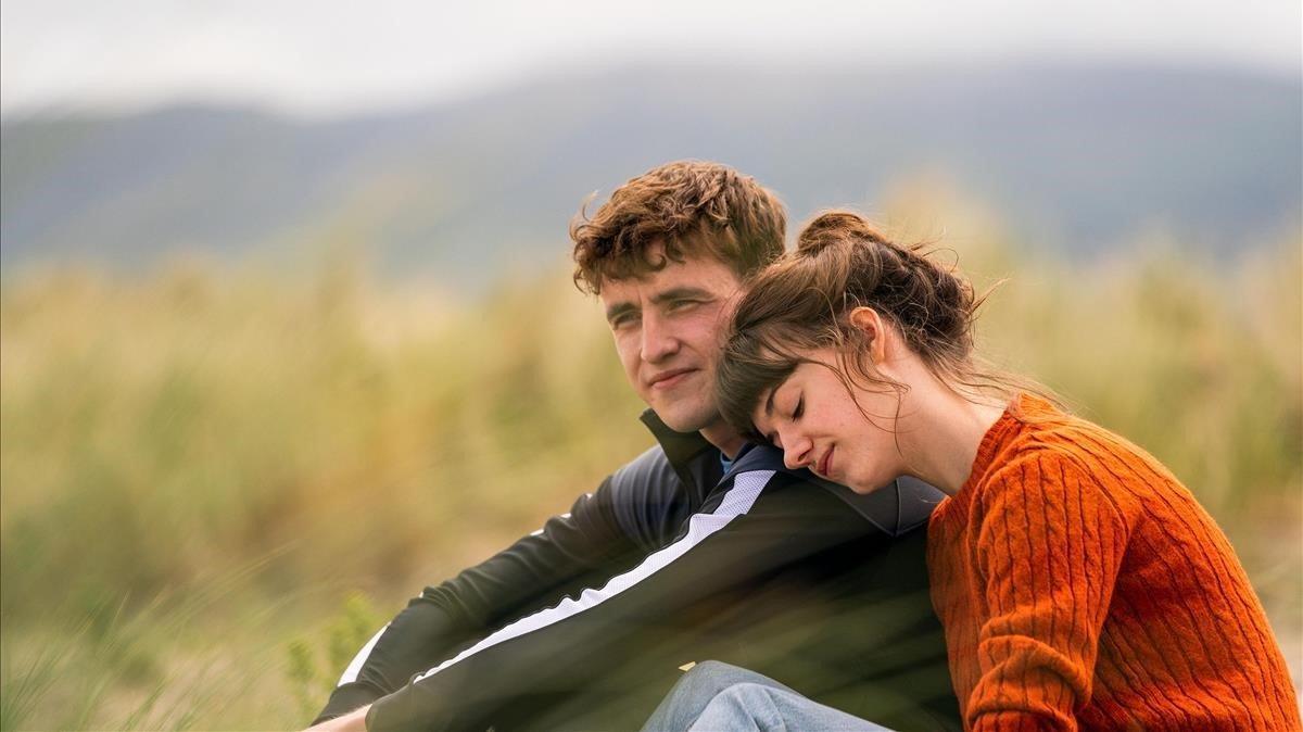 Paul Mescal y Daisy Edgar-Jones en una imagen de 'Normal people', estreno de Starzplay para principios de verano.