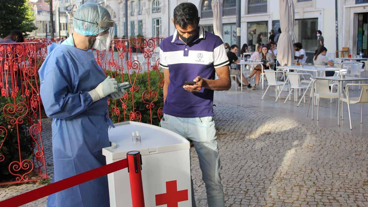 Portugal abrirá el ocio nocturno en octubre para los vacunados
