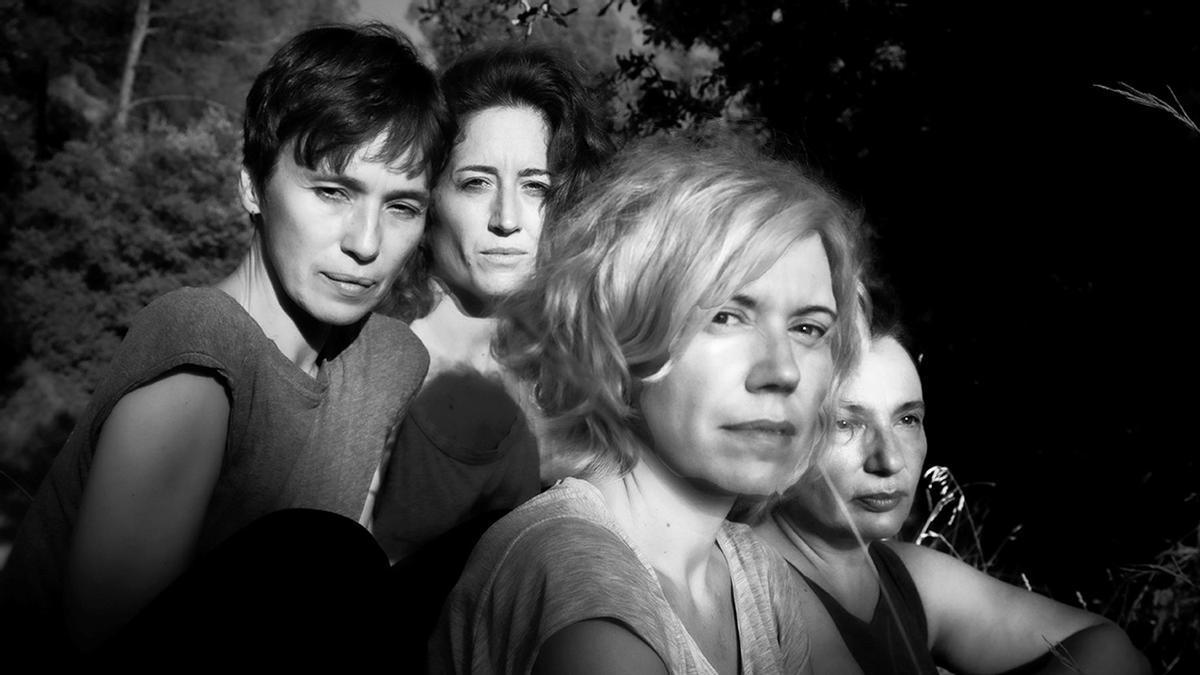 Fotografía promocional de 'Encara hi ha algú al bosc'.