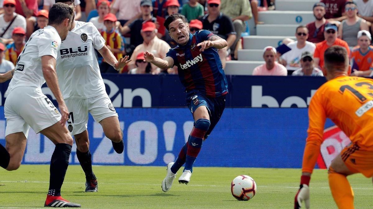 Toño García, en el derbi valenciano de la tercera jornada de la liga 2018-2019..