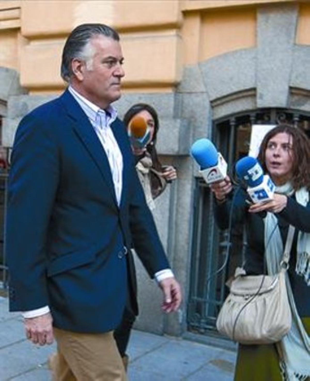 Luis Bárcenas, el 8 de abril del 2010, tras dimitir como tesorero.