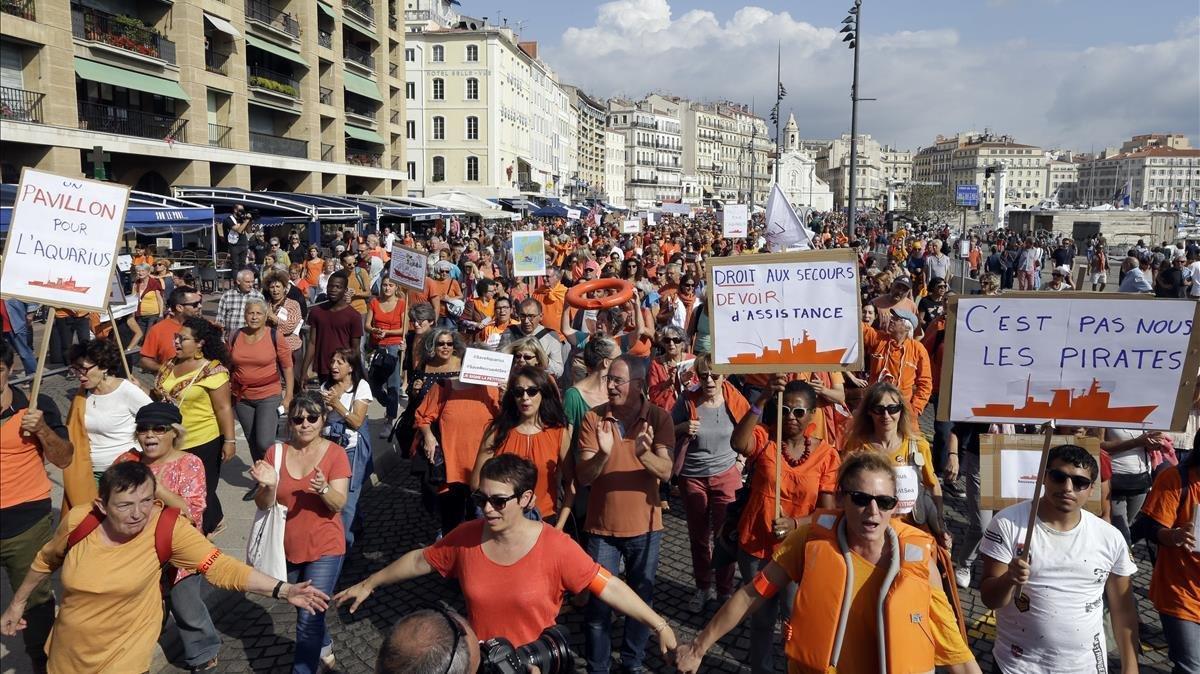 Manifestación a favor del Aquarius en Marsella.