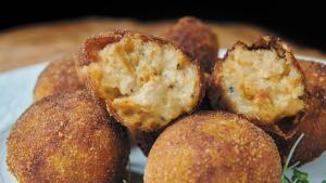Croquetas de rustido de ternera, uno de los platos del libro 'Rafuel, mis mejores recetas'.