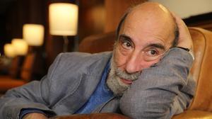 El poeta chileno Raúl Zurita, horas antes de su participación en el festivalBarcelona Poesia.