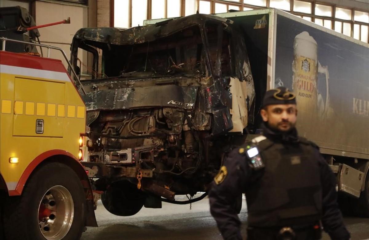 El camión utilizado en el atentado de Estocolmo.