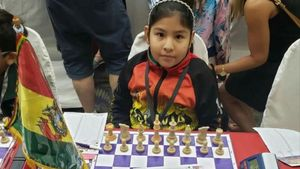 La boliviana Nicole Mollo clasifica para la fase final del Mundial de ajedrez.