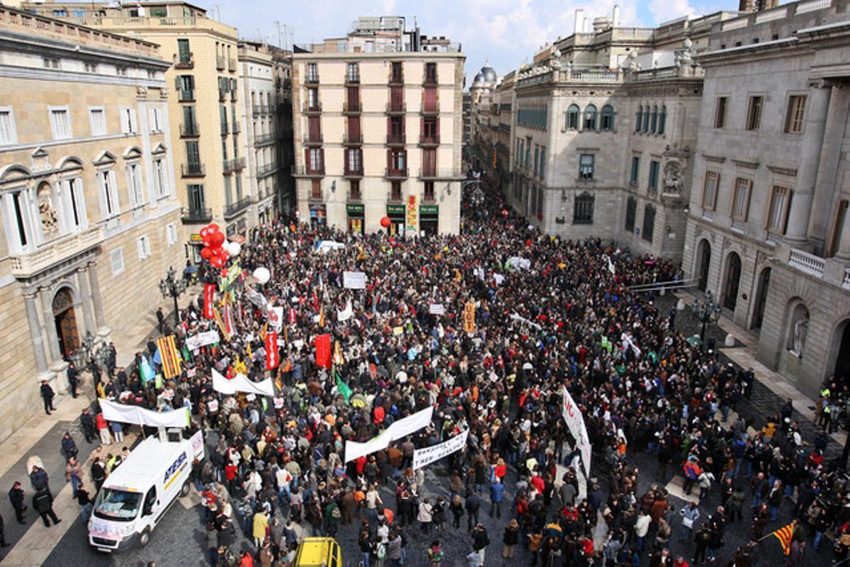 Manifestación de maestros del año 2008 en Barcelona.