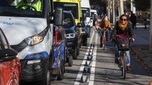 El carril bici de la calle de Aragó, en su tramo final, antes de llegar a Tarragona