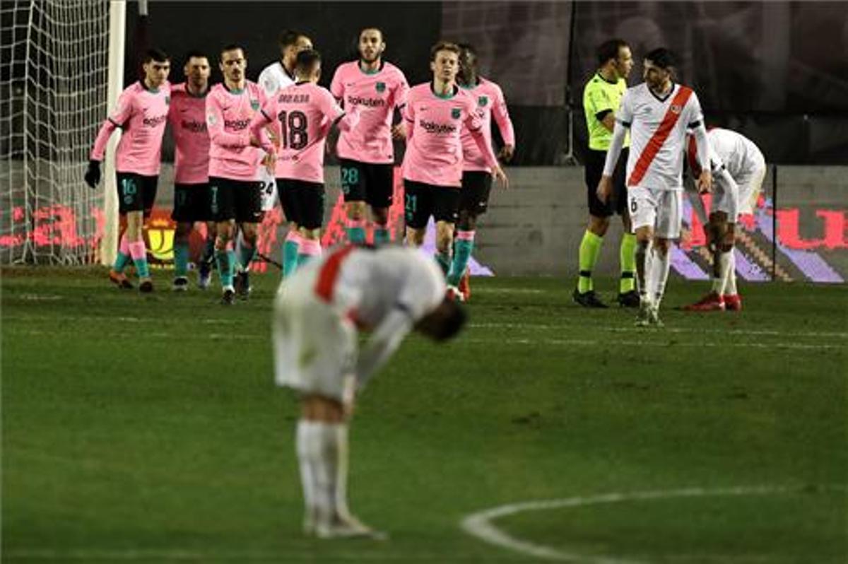 El Barça celebra uno de los dos goles ante el Rayo Vallecano