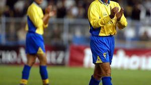 Mágico González, en el partido de homenaje que le dedicaron en el 2003Cádiz y Barça.