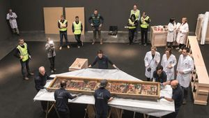 Traslado delos bienes de Sixena del Museo de Lleida al monasterio oscense, en diciembre del 2017.