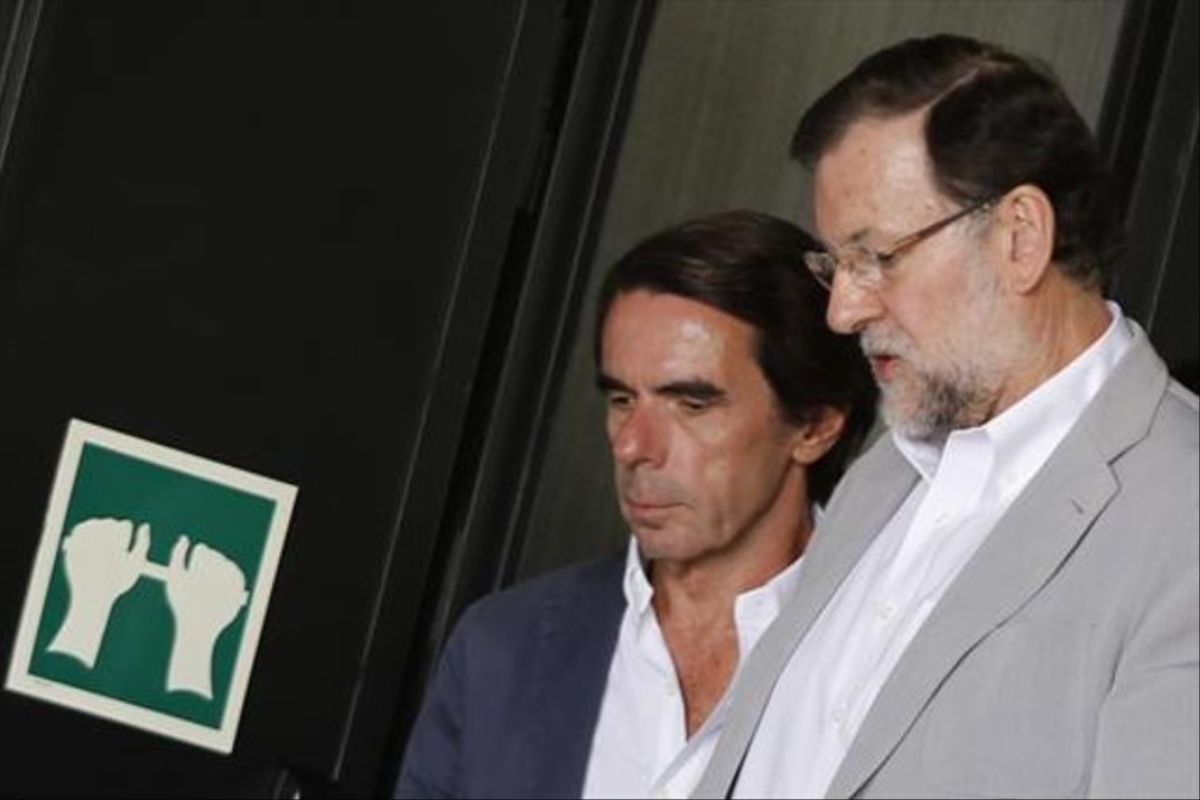 José María Aznar y Mariano Rajoy, en una imagen de archivo.