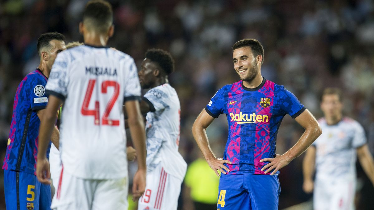 Eric García sonríe tras encajar el primer gol de rebote