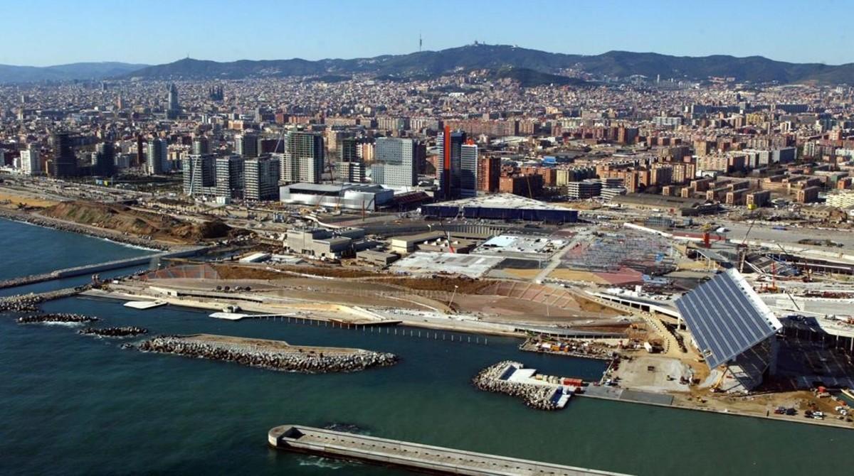 Vista aérea de las obras del Fòrum, una de las grandes actuaciones en la ciudad en las que participóBarcelona Regional.