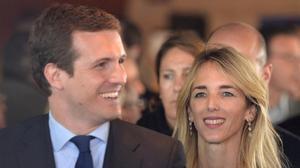 Pablo Casado y la candidata por Barcelona, Cayetana Álvarez de Toledo, en el acto de presentación del programa electoral en la ciudad condal.