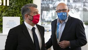 Joan Laporta, presidente del Barça, junto a Josep Oliu, presidente del Banc Sabadell, en el torneo de tenis que patrocina la entidad bancaria.