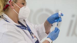 Sánchez garantiza que se cumplirá el plan de vacunación con o sin AstraZeneca