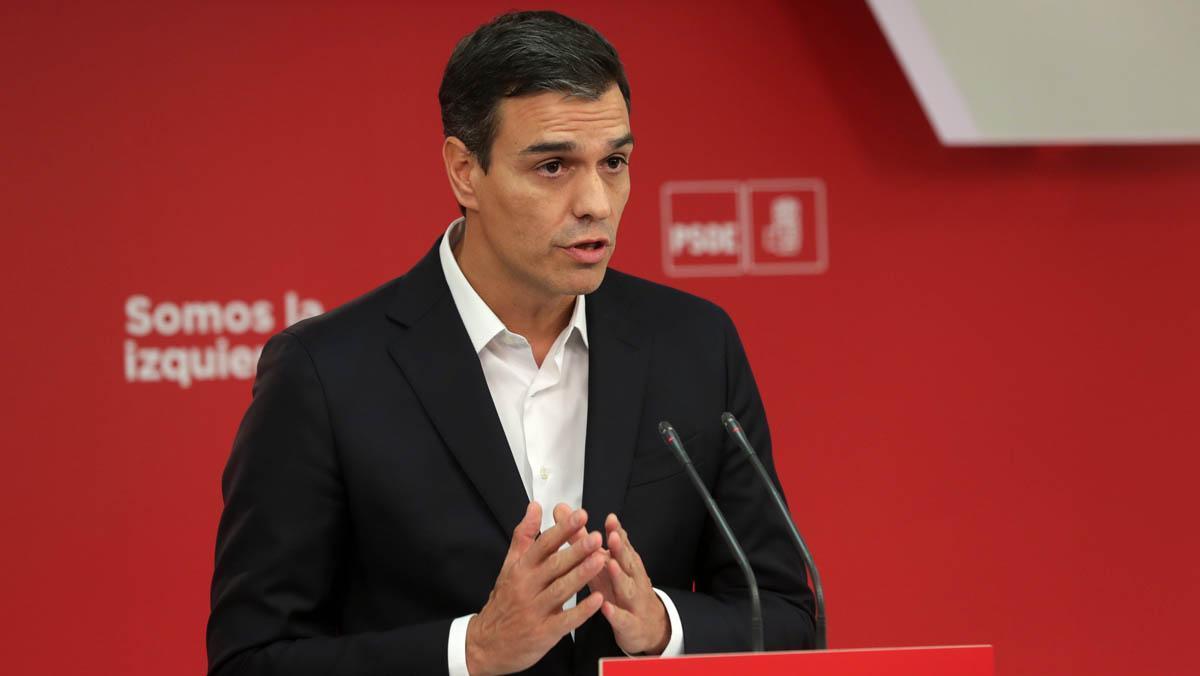 Sánchez dice que el 1-O es la crónica del fracaso de las políticas de Rajoy y Puigdemont.